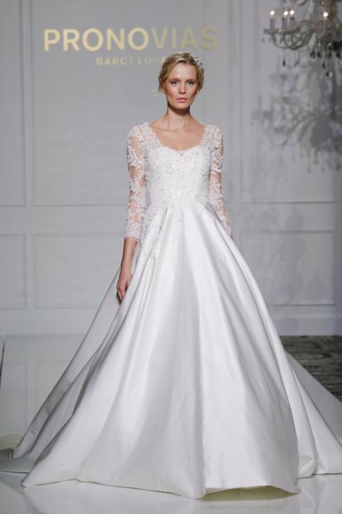 pronovias_fall_2016_bridal_collection_19