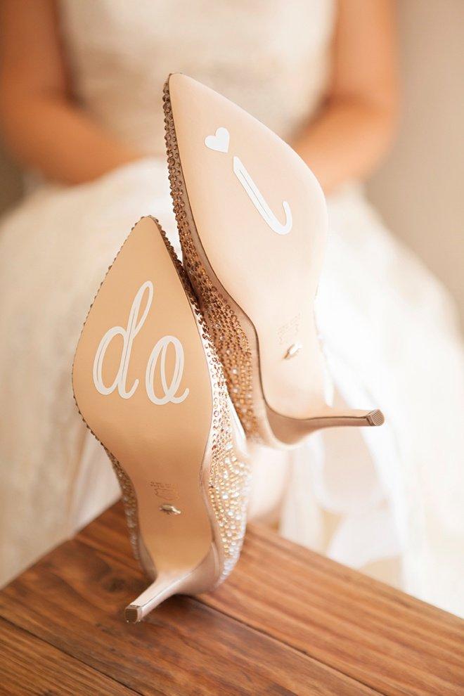 diy-wedding-shoe-stickers-steps_0012