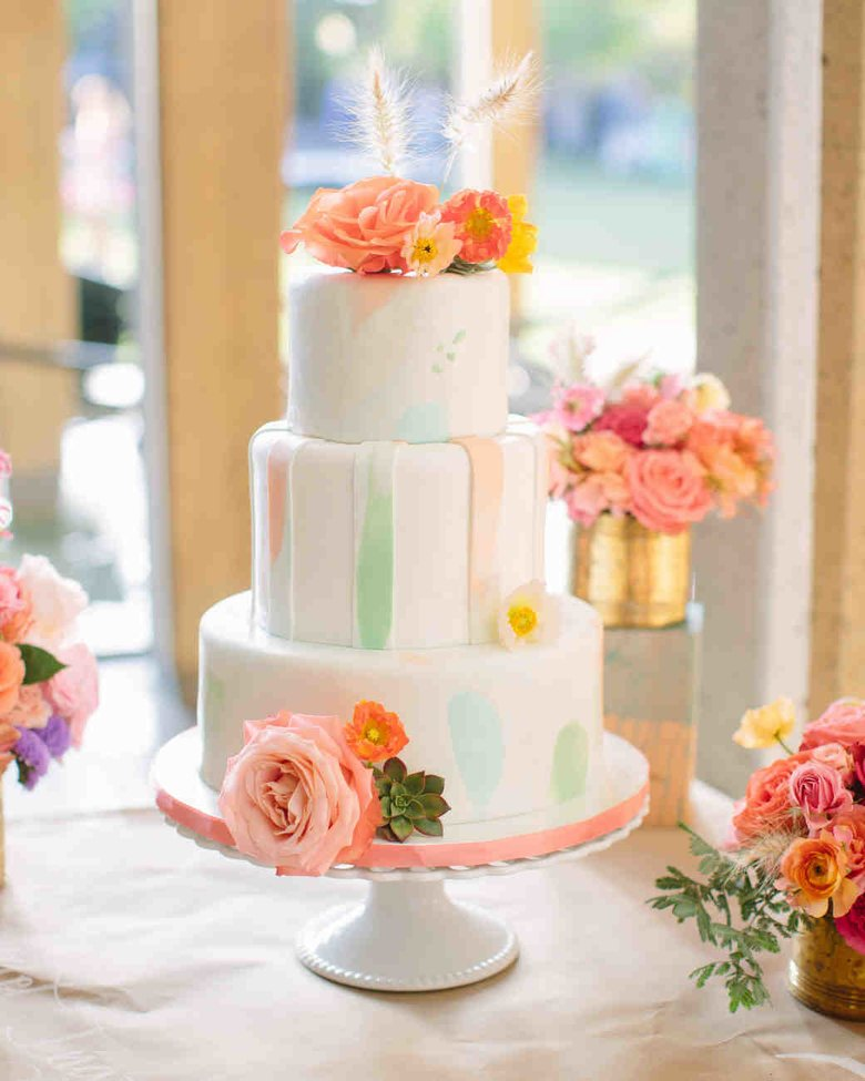 Image courtesy of: Martha Stewart Weddings http://www.marthastewartweddings.com/230901/pastel-wedding-cakes-and-confections