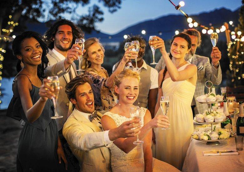 Image courtesy of: http://www.chicagotribune.com/lifestyles/sc-fam-0602-wedding-guest-list-20150528-story.html
