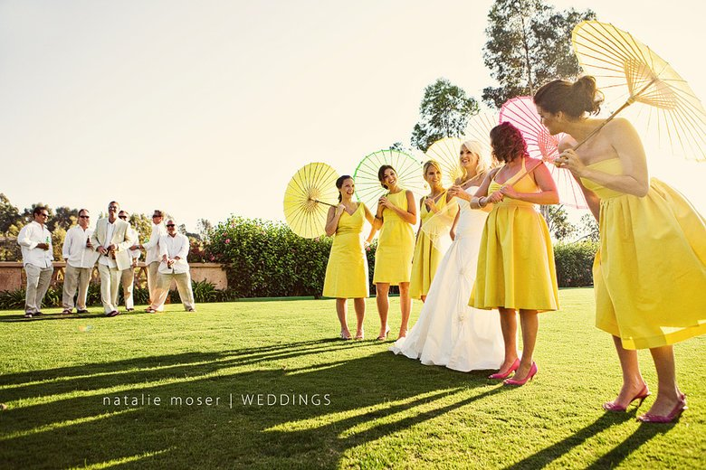 Image courtesy of: http://sellrainwear.net/paper-parasols-wedding.html