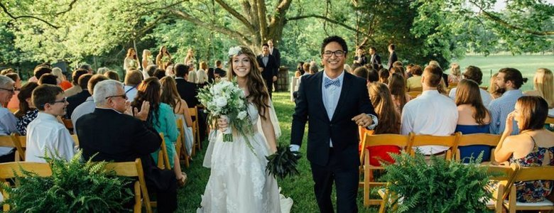 Image courtesy of: http://thebarnathighpointfarms.com/our-farm/outdoor-weddings/