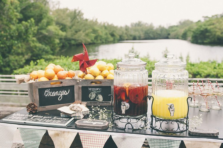 Image courtesy of: http://www.bridalpulse.com/vintage-greynolds-park-boathouse-wedding-by-fortuna-events/