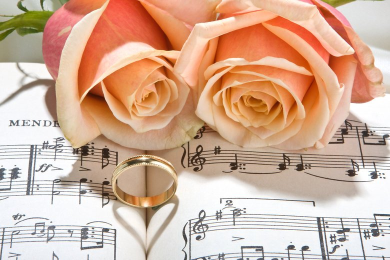 http://www.templesquare.com/weddings/blog/wedding-music-must-haves/